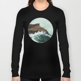 Crashing Waves on a cliff Long Sleeve T-shirt