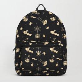 Halloween pattern in black bg Backpack