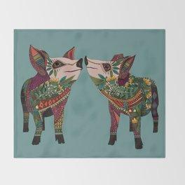 pig love jade Throw Blanket