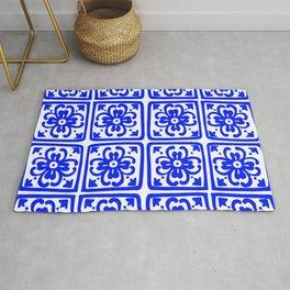 Blue Elegance Classic Tile Pattern Rug