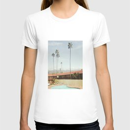 Los Holiday Inn T-shirt