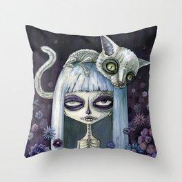 Felina de los muertos Throw Pillow