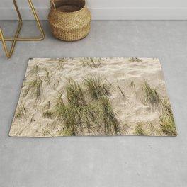 Sandy Beach With Grass Weeds Rug