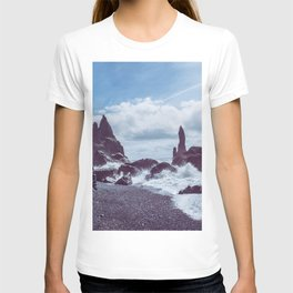 Raging Reynisdrangar T-shirt
