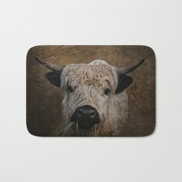 White High Park Cattle Chewing Grass Bath Mat