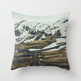 iceland road trip Throw Pillow