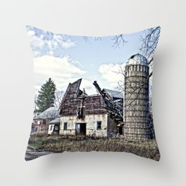 Wisconsin Old Barn 3 Throw Pillow