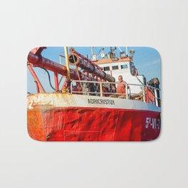 Le navire rouge Bath Mat