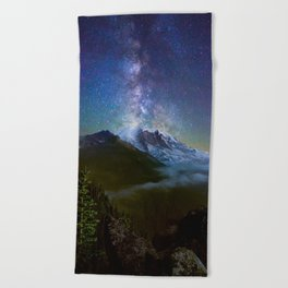 Milky Way Over Mount Rainier Beach Towel