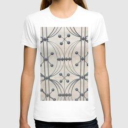 Metal gate T-shirt