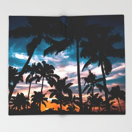 Palm trees dream Throw Blanket