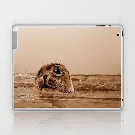 The SEAL - sepia 17 Laptop & iPad Skin