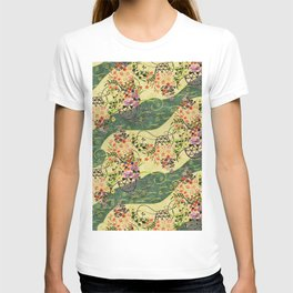 Vintage green and gold oriental floral pattern T-shirt