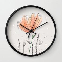 flor naranja Wall Clock