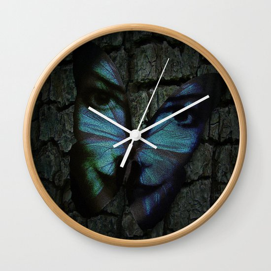 AM I A BUTTERFLY DREAMING I AM AN HUMAN Wall Clock