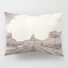 Road to the Giants Pillow Sham