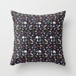 Science ! (Dark) Throw Pillow
