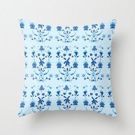 Delft Blauw Throw Pillow