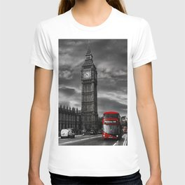 London - Big Ben with Red Bus bw red T-shirt