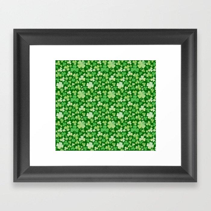 Lucky Green Watercolour Shamrock Pattern Gerahmter Kunstdruck