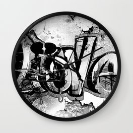 Graffiti Liebe Wall Clock