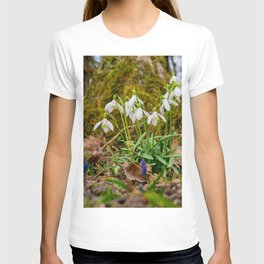 Snowdrops in march T-shirt