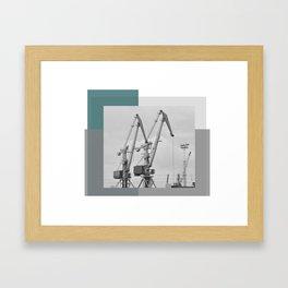 Giraffe crane Framed Art Print