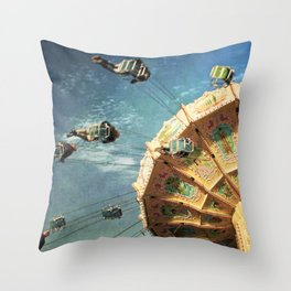 perfect spin Throw Pillow