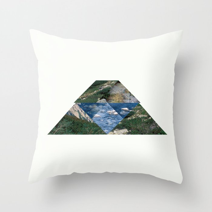 RIVER HILL Throw Pillow
