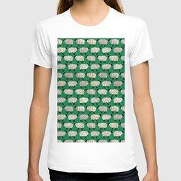 Wee Wooly Sheep in Aran Sweaters (shamrock green) T-shirt