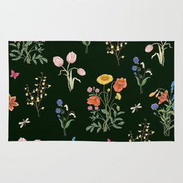 VINTAGE STYLE COLORFUL SUMMER BOUQUETS AND INSECTS Rug