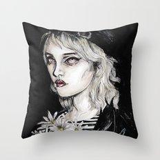 Sky ferreira no………………………..11 Throw Pillow