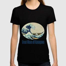 Great Wave off kanagawa. Japanese vintage fine art. T-shirt