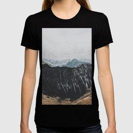 interstellar - landscape photography T-shirt