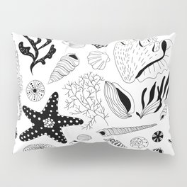 Tropical underwater creatures and seaweeds Pillow Sham
