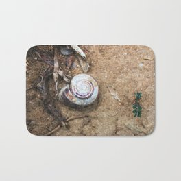 Stillife with snail Bath Mat