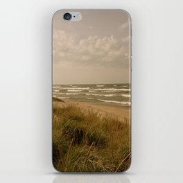 Crests and Valleys iPhone Skin