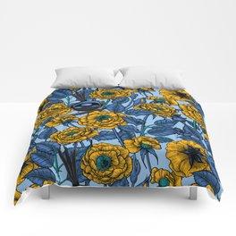 Wren in the roses Comforters
