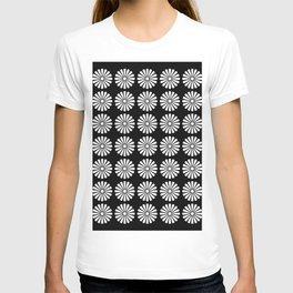 Black And White Flowery Daisy Pattern T-shirt