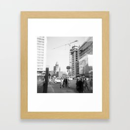 Berlin Spazieren Framed Art Print