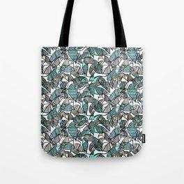 BIRDS IN THE PARK Tote Bag