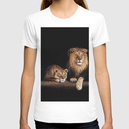 Portrait of Lion Family on dark background - vintage nature photo T-shirt