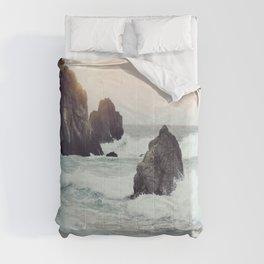 Crashing waves Comforters