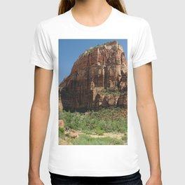 Hiking Zion National park in Utah, USA T-shirt