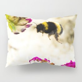 the flight of bumble bee on the dunes I Pillow Sham