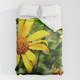 yellow daisys Comforters