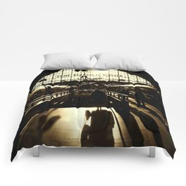 Railway Station Cologne (monochrom) Comforters