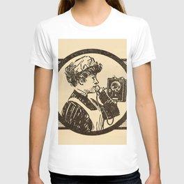 Lady at phone. T-shirt