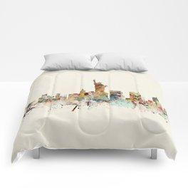 new york city skyline Comforters