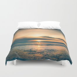 Walking In Circles Duvet Cover